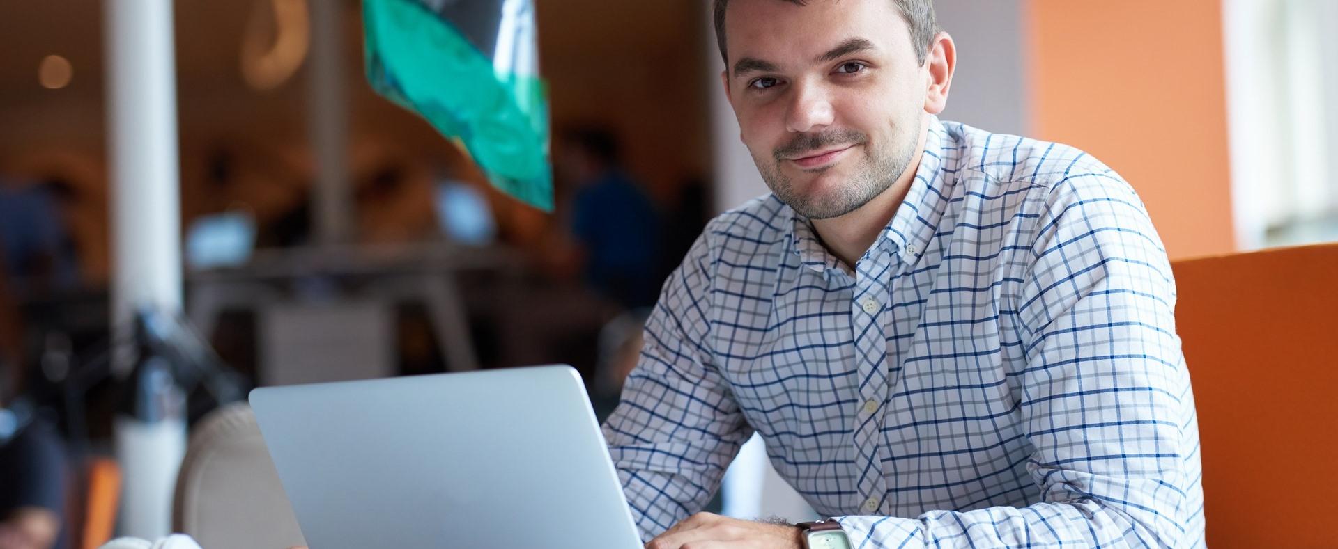 Fiatalok vállalkozóvá válását segítik a Dél-Dunántúlon