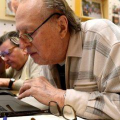 Százezer idős ember vehet részt infokommunikációs képzésben
