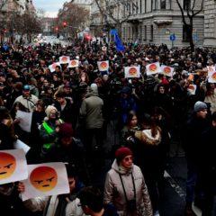 Orbán nem áll ki vitázni a diákokkal – Újabb tüntetés jön