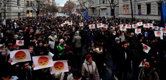 A rendőrségtől kapott levelet a diáktüntetés több résztvevője