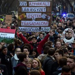 A jobb oktatásért tüntettek diákok a fővárosban