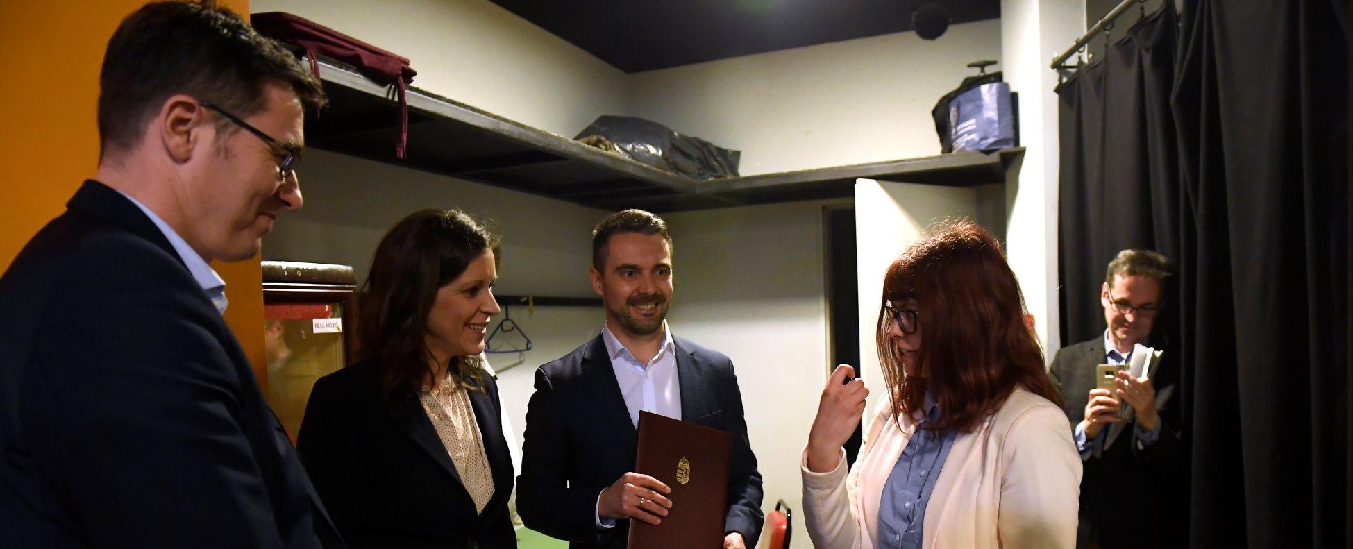 Ellenzéki miniszterelnök-jelöltek vitája az oktatásról a Gödör Klubban