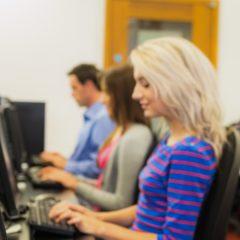 Az alapokban remekül, az irodai programokban gyengén teljesítenek a magyar ECDL-vizsgázók