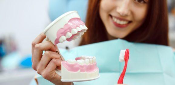 Ingyenes előadássorozat lesz a fogászati betegségek megelőzéséről