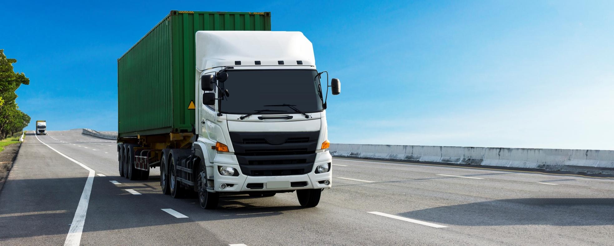 Újabb hivatásos gépkocsivezetői képzések indulnak 1 milliárd forintból