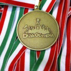 Négy érmet nyertek magyar gimnazisták a párizsi kémiai diákolimpián