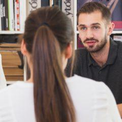 A keresletnél is jobban nőtt az álláskeresők száma a harmadik negyedévben