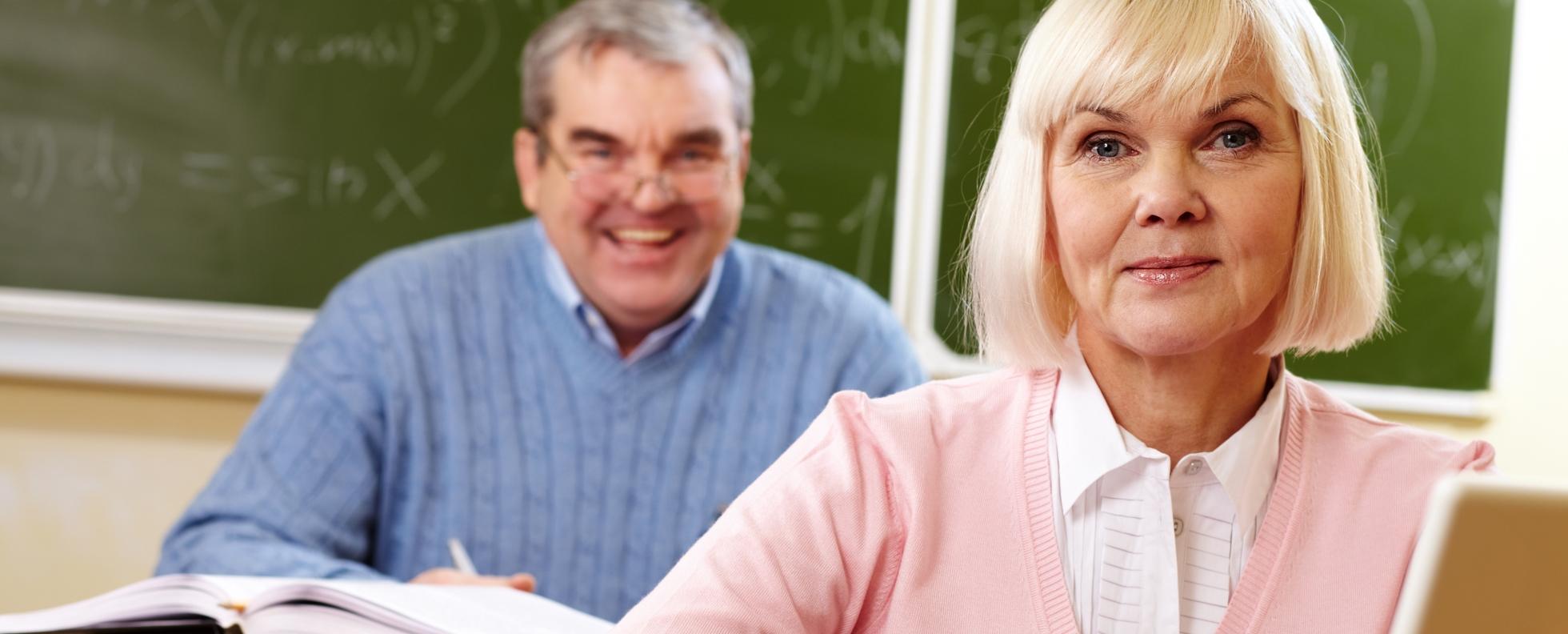 Szakképzés - jeles bizonyítványt kapott Debrecenben egy 77 éves diák