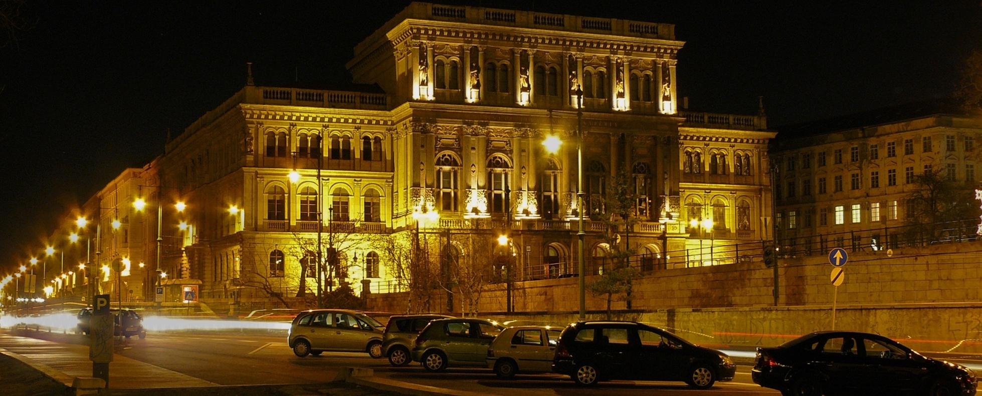 A Jobbik az MTA kutatóintézetei miatt akarja összehívatni az oktatási bizottságot