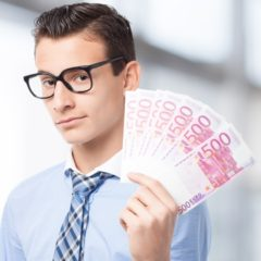Biztos és jól fizető munkahelyet szeretnének a fiatalok