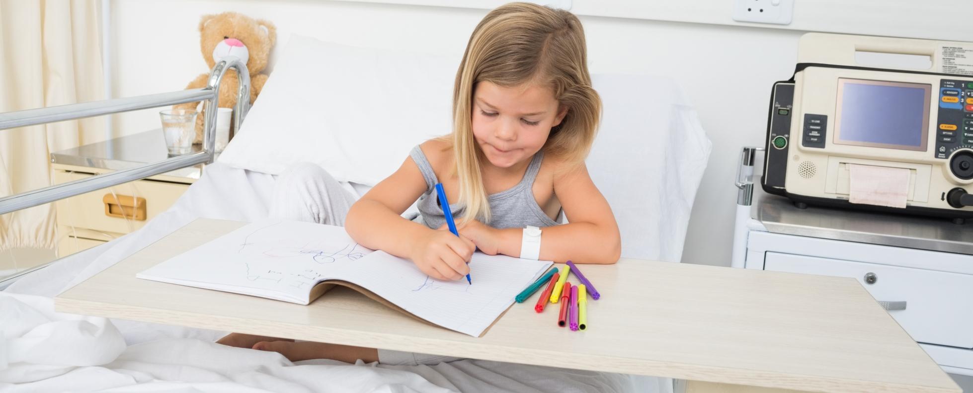 Ingyenes digitális képzésben részesülhetnek a tartósan beteg gyerekek tanárai