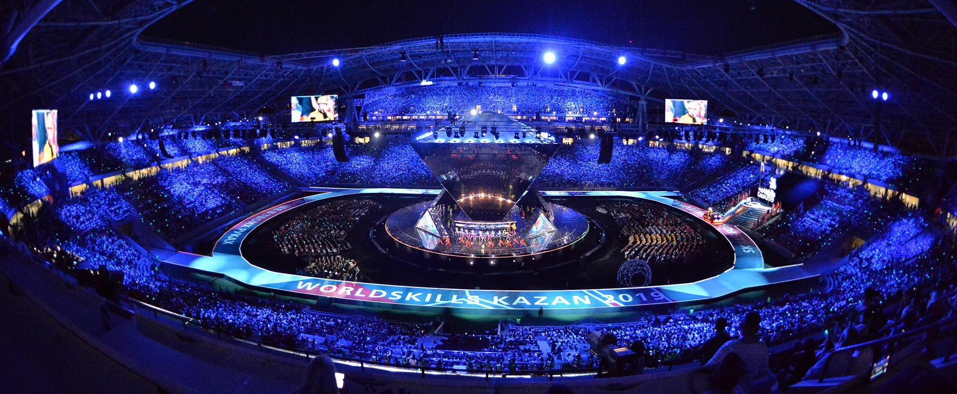 Aranyérmet szerzett Simon Krisztián bútorasztalos a szakmák világversenyén Kazanyban