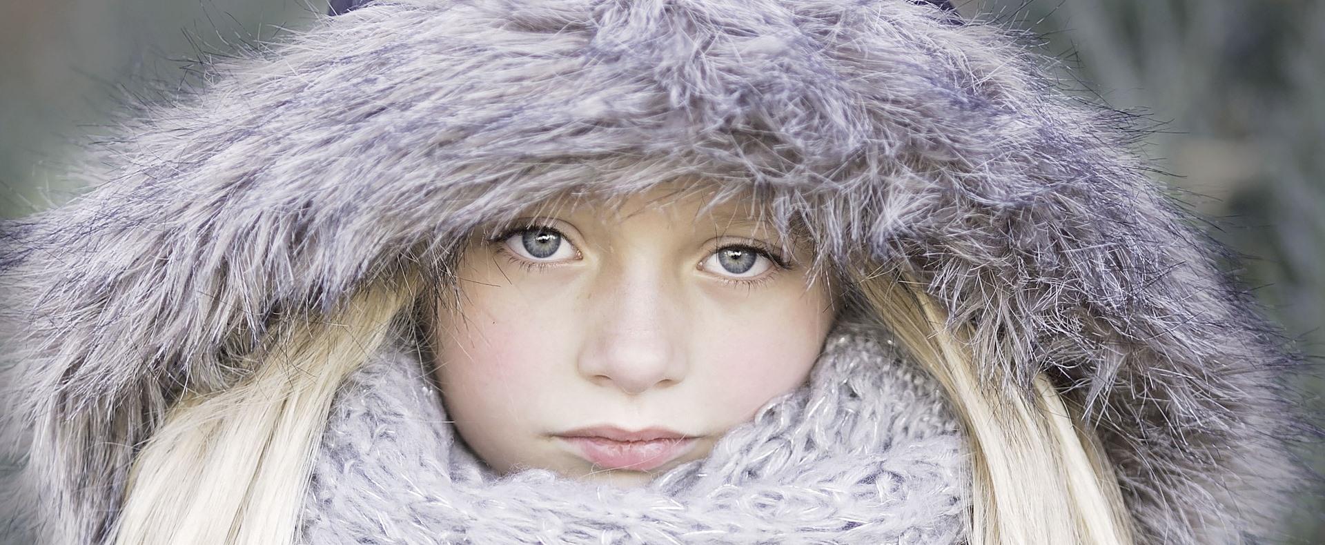 Kabátban tanulnak a diákok a hideg miatt