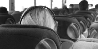 Visszatérítik a bérlet árát az ingyenes utazásra jogosult diákoknak
