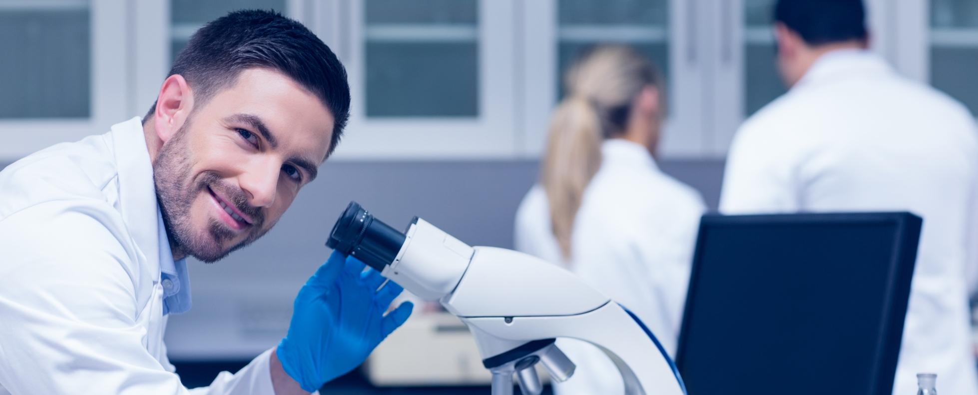 Fiatal kutatók több mint fele gondolkodik a pálya elhagyásán