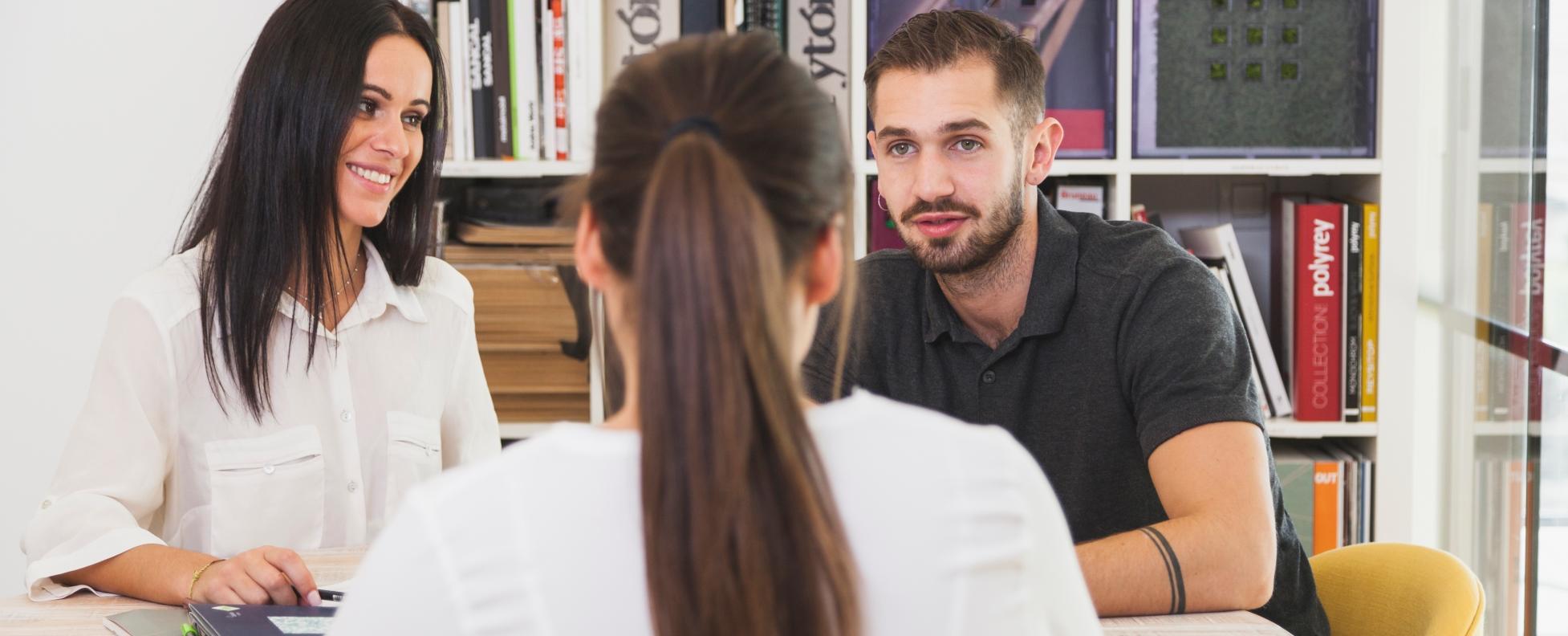 A munkajogász írásos szerződést javasol a diákoknak