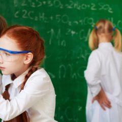 Megszűnik az általános iskolai fizika és kémiaoktatás?