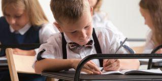 Másfél millió iskolás és óvodás számára kezdődött el a tanév
