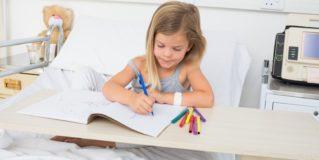 Nem megfelelően biztosított a kórházban kezelt gyerekek oktatása