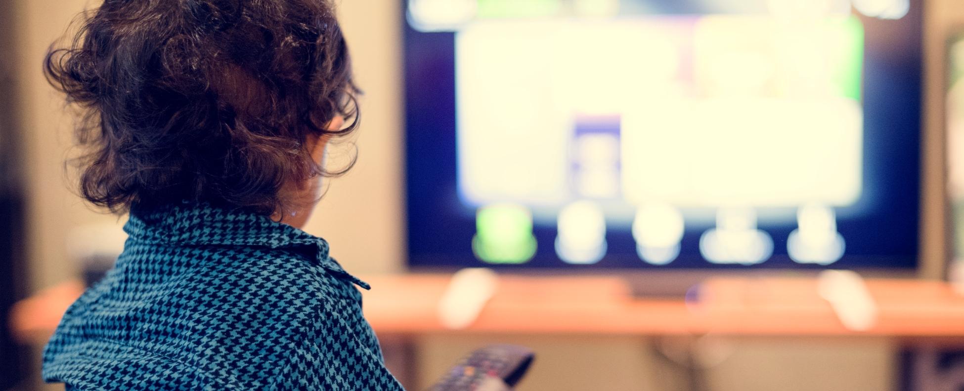 Kétéves koruk előtt ne nézzenek semmilyen képernyőt passzívan a gyerekek